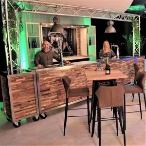 Complete bar met drank en personeel voor 4 uur huren Barendrecht en Rotterdam