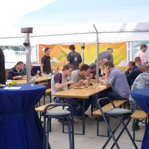 Bedrijfsbarbecue voor +- 100 gasten. All Inn huren Barendrecht en Rotterdam